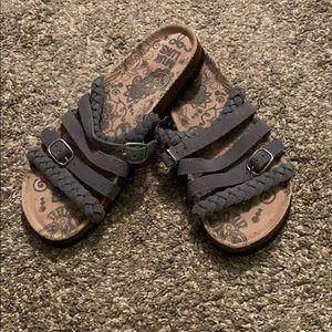🕶Muk Luk Slide Sandals Size 8🕶
